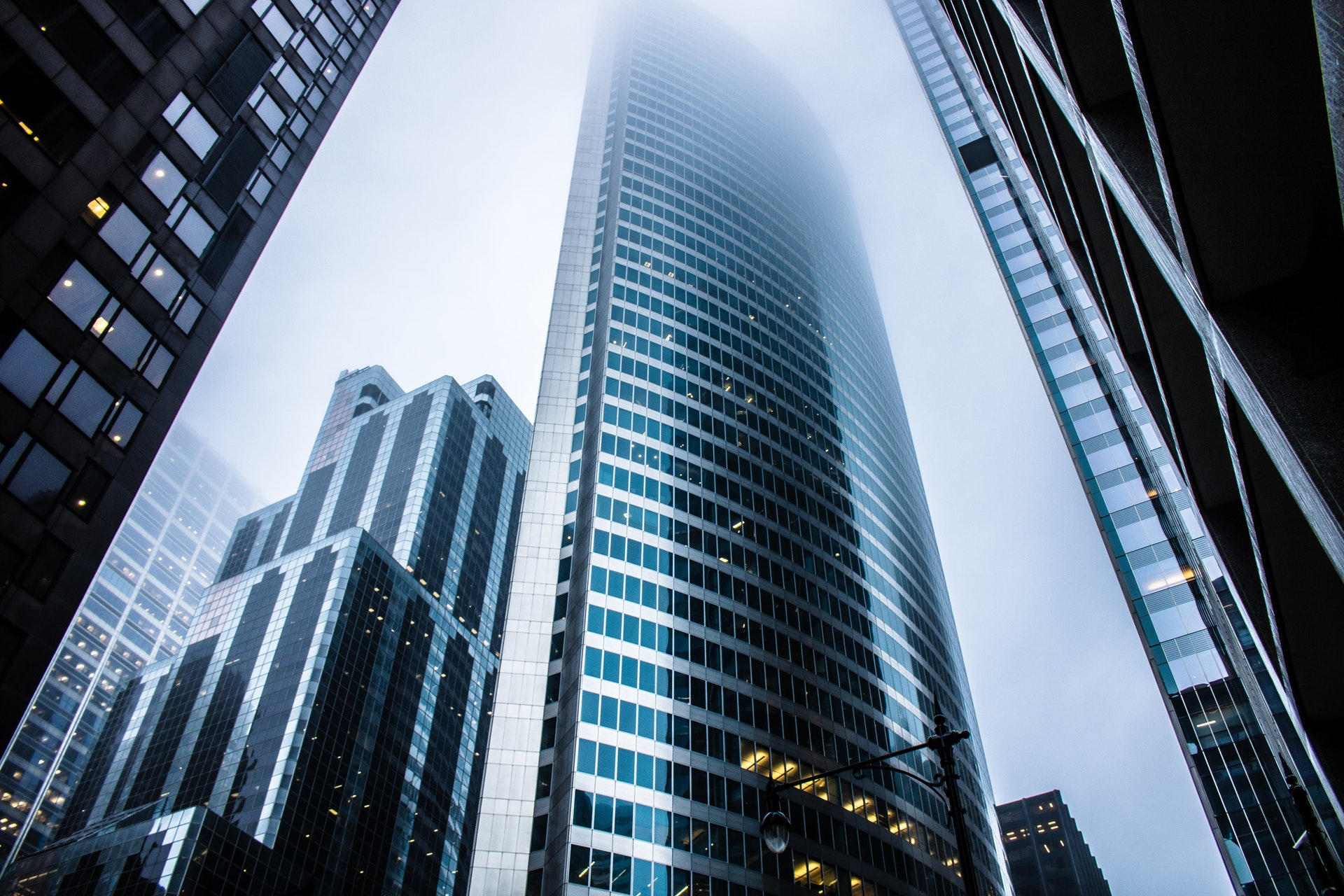 gray-high-rise-buildings-936722